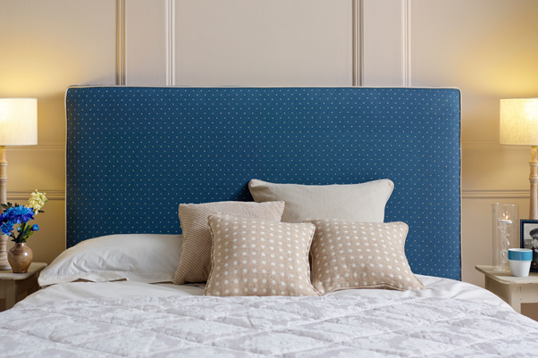 Removable Cover Harris Headboard upholstered in Linen Spot Indigo Navy, Contrast Piped in Pure Cotton Snow