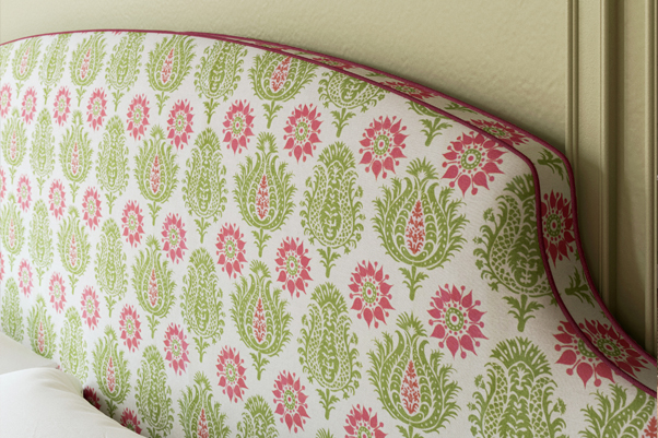 Puffin Bed Charlotte Gaisford's Sharanshar Green, contrast piped in Pure Cotton Sorbet